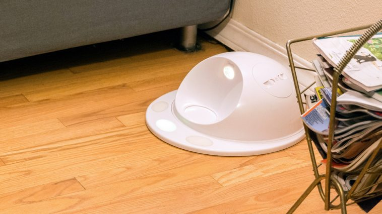 CleverPet's Hub is a robo-tutor for your dog, but only works if he woofs down treats